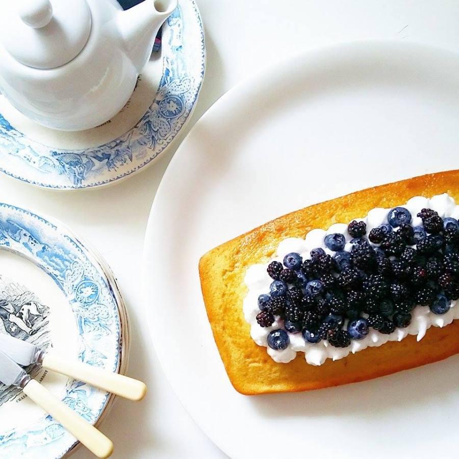 { CAKE o'clock } Blue + BlackBerries